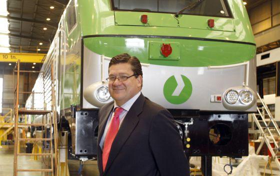 Íñigo Parra, presidente de la división de locomotoras de Vossloh, en la factoría de Albuixech (Valencia).