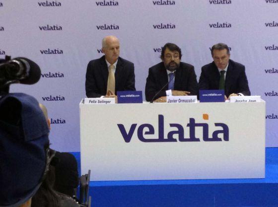 El presidente de Velatia, Javier Ormazabal, junto a los dos vicepresidentes, Félix Selinger y Joseba Javo.