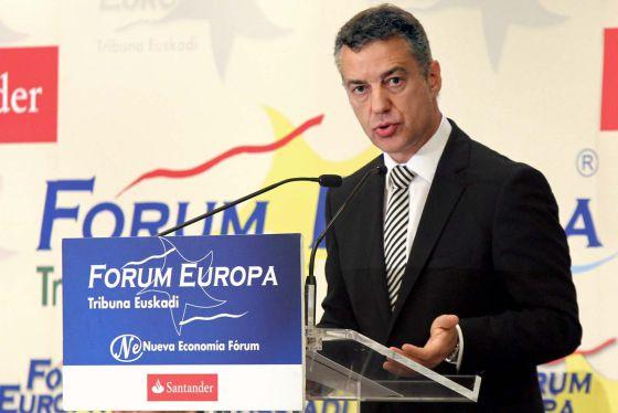 El líder del PNV, Iñigo Urkullu, durante su intervención de ayer en el Forum Europa de Bilbao.