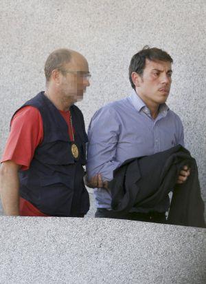 Alberto Quintana, gerente de Sermasa en Santiago, entra en los juzgados.