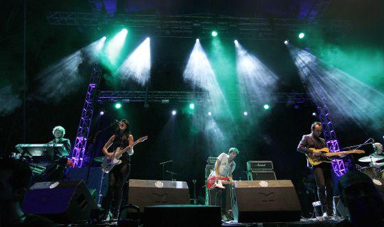 Actuación de El Columpio Asesino en el concierto de MTV Beach Madrid.