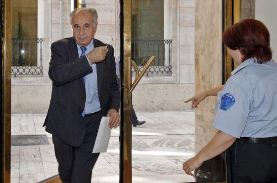 Rafael Blasco en las Cortes valencianas minutos después de conocer la providencia de la juez del TSJ.