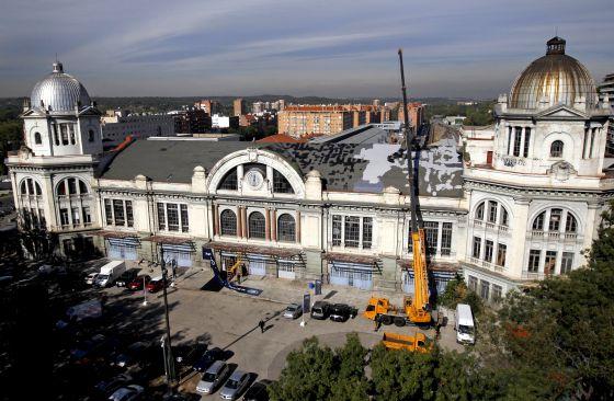 Estado actual de la Estación del Norte, y al fondo, la Casa de Campo.