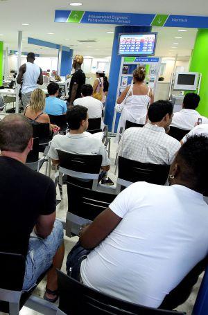 Los afectados por ere temporales llevan cuatro meses sin for Oficinas sepe barcelona