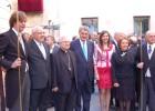 El obispo y el presidente del Congreso se estrenan en el Misteri