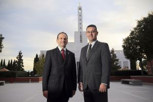Faustino López, a la izquierda, y Ángel Gómez, ambos mormones.