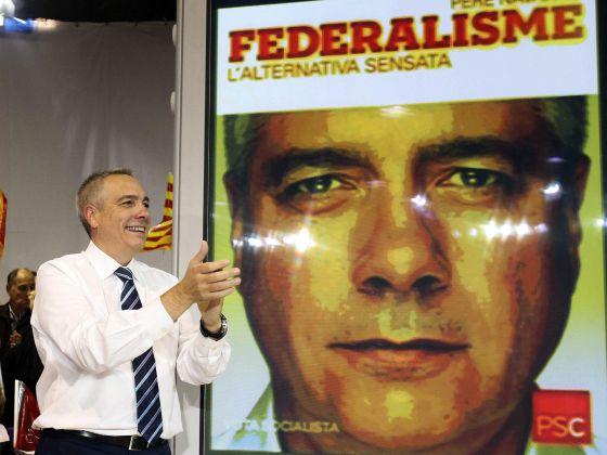El candidato del PSC a la Generalitat, Pere Navarro, durante el mitin de arranque de campaña celebrado esta noche en su ciudad natal, Terrassa.