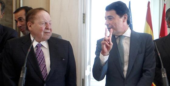 Sheldon Adelson e Ignacio González en octubre.
