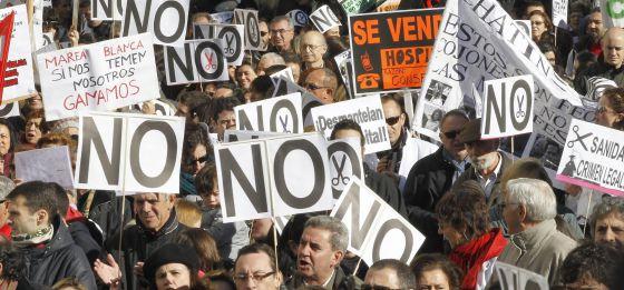 Marcha de sanitarios de Neptuno a la Puerta del Sol.