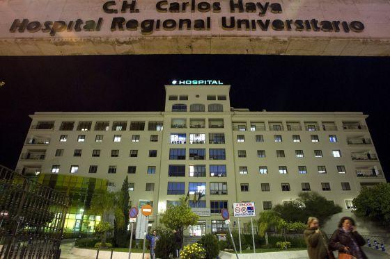 El hospital Carlos Haya de Málaga, donde un hombre se quemó este miércoles