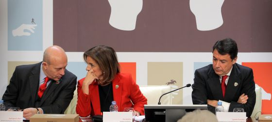 José Ignacio Wert, junto a Ana Botella e Ignacio González durante la presentación de del informe de Madrid 2020.