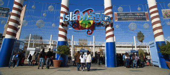 La entrada de Isla Mágica el pasado viernes, último día de la temporada 20112012.