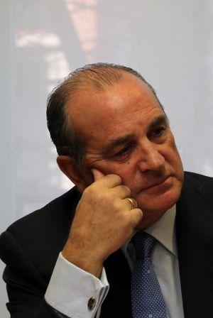 Lujua pedir a kutxabank un compromiso con la inversi n y for Oficina kutxabank madrid