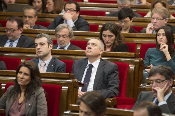 El primer secretario del PSC, Pere Navarro (c), en el Parlament.