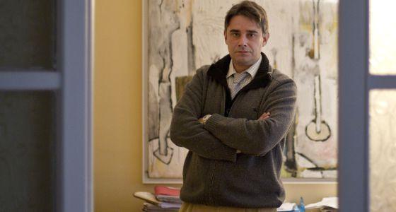 El abogado Juan Moreno Yagüe en su despacho de Sevilla.