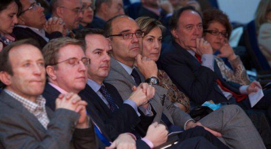 El rector de la Universidad, Manuel Palomar, junto a la alcaldesa de Alicante, Sonia Castedo en la presentación de Unimooc Aemprende.