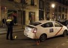 Un taxista invade la acera y arrolla a tres personas en Atocha