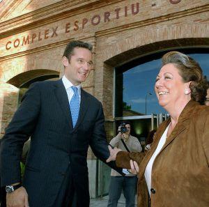 El duque de Palma, Iñaki Urdangarin, y la alcaldesa de Valencia, Rita Barberá, en la edición de 2005 de Valencia Summit.