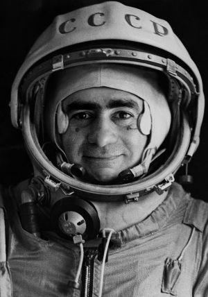 Autorretrato de Joan Fontcuberta, caracterizado como el astronauta ruso Ivan Istochnikov, para su serie Sputnik..