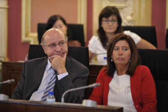 La concejala Marga Martín junto al alcalde de Ourense