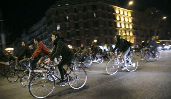 Protesta de cilcistas, el pasado jueves por el centro de Barcelona.