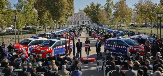 Entrega de vehículos a las Bescam en Aranjuez en noviembre de 2010.