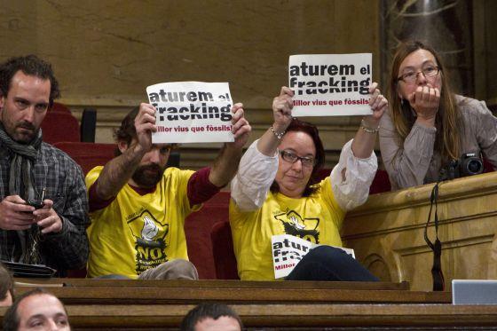 El Parlament rechaza prohibir el 'fracking' con los votos de CiU y PP.