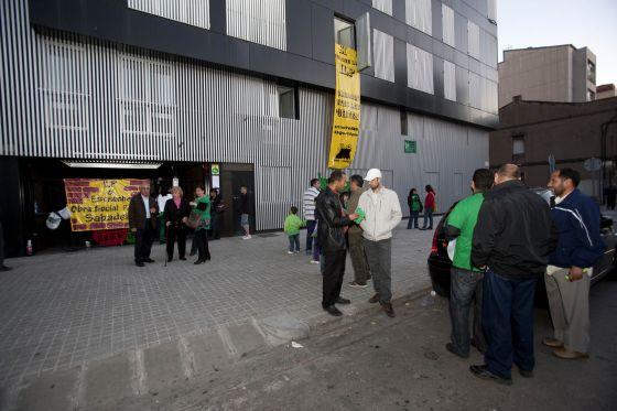 Afectados por la hipoteca ocupan un bloque de 40 pisos nuevos en sabadell catalu a el pa s - Pisos nuevos en sabadell ...