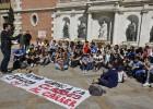Los universitarios sacan a la calle las clases en señal de protesta