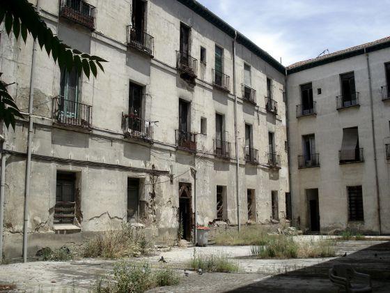 Un edificio municipal en ruinas amenaza un instituto p blico madrid el pa s - La casa sueca ...