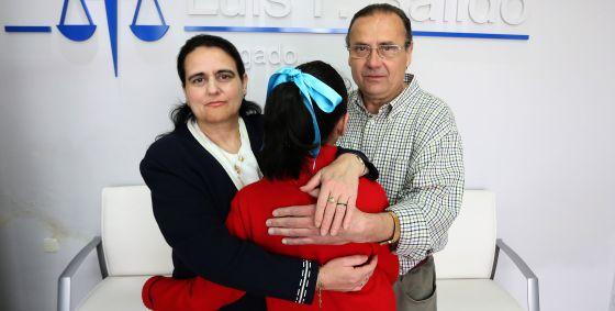 Una pareja recupera la custodia de su hija porque la agresión era falsa 1368804725_637626_1368814143_noticia_normal