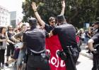 Altercados entre policías y manifestantes en el acto del AVE
