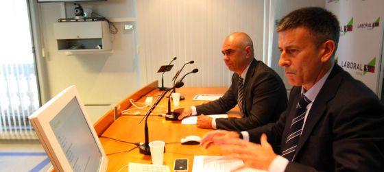 El director del área de Negocio, Xabier Egibar, y el director de estudios, Joseba Madariaga.