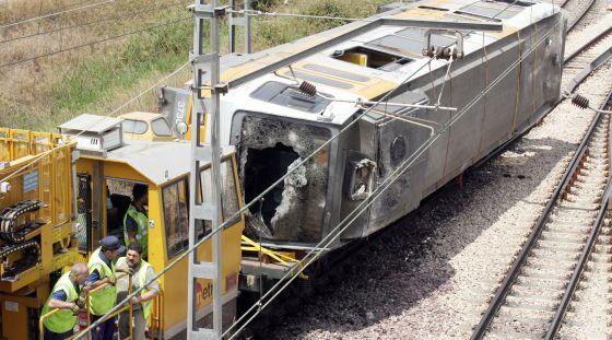 Traslado de la unidad siniestrada en la línea 1 a las instalaciones de FGV.