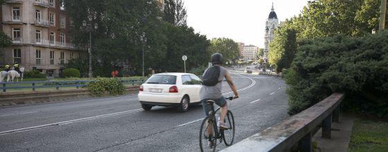 Tramo de Bailén en la que se pondrá un paso con semáforo.