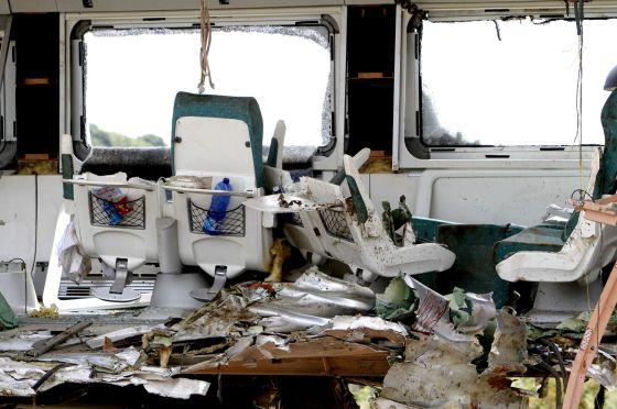 Interior de uno de los vagones del tren Alvia que descarriló cerca de Santiago de Compostela.