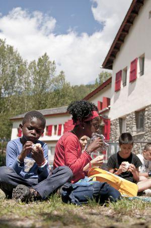Niños en las colonias sociales de la Fundación Pere Tarrés.