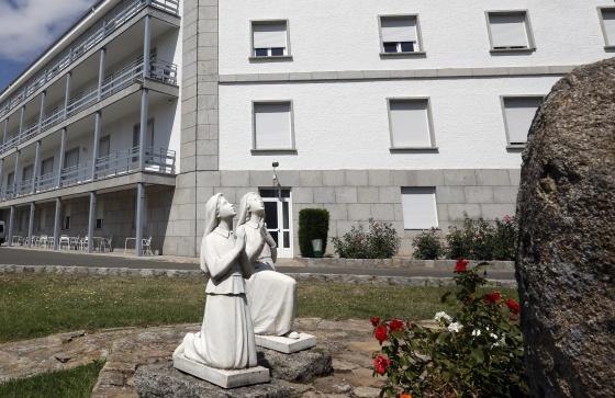 Uno de los edificios propiedad de una orden religiosa en Los Molinos.