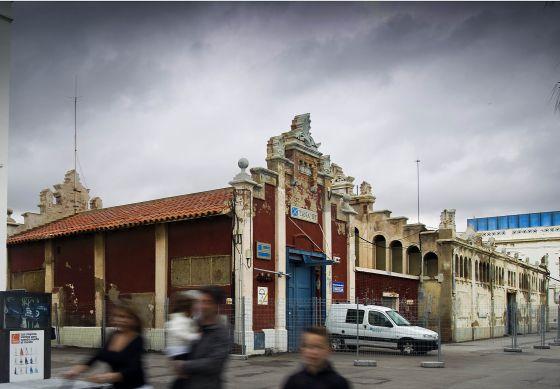 Una de las naves del Puerto de Barcelona donde se construirá la sede del Hermitage