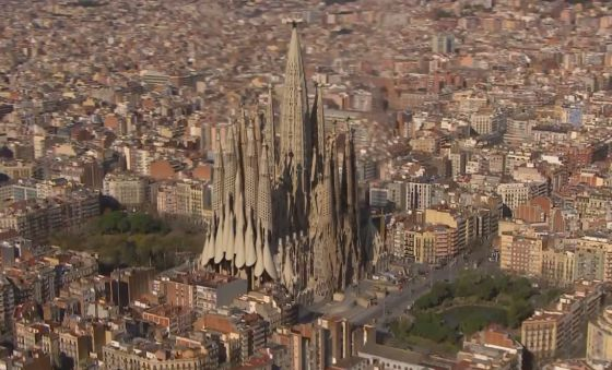 Vista virtual de la Sagrada Familia terminada.