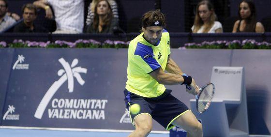 El tenista David Ferrer durante un partido del Open 500 de Tenis que patrocina la Generalitat.