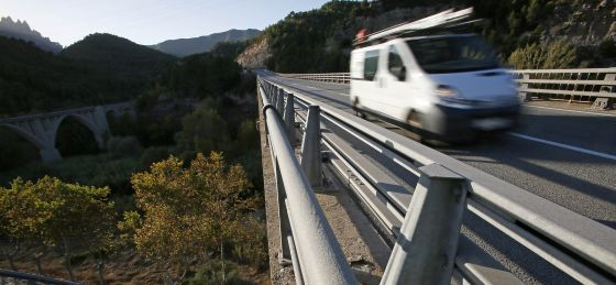 El puente de la C-58, a su paso por Castellbell el Vilar, desde donde se suicidó Adriana.