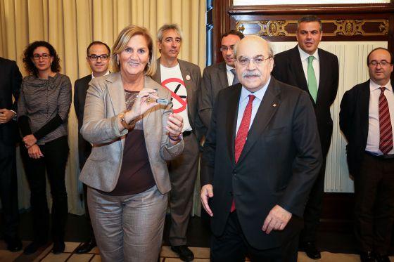 La presidenta del Parlament, Núria de Gispert, y el consejero de Economía, Andreu Mas-Colell, presentan las cuentas de la Generalitat.
