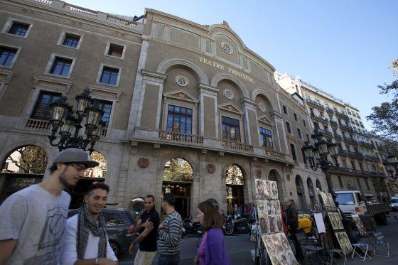 La fachada del Teatro Principal, una vez rehabilitada.