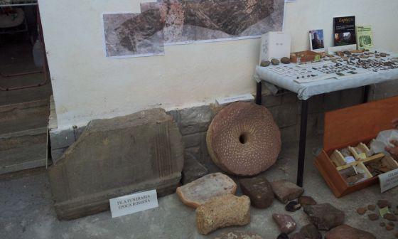 Algunas de la piezas arqueológicas rescatadas por la Guardia Civil en la Sierra de Chiva.