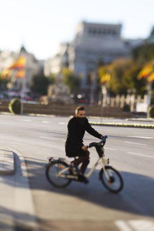 Las bicis eléctricas que tendrá Madrid serán algo más ligeras que las de ese tipo y ya se usan en San Sebastián.