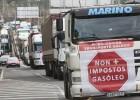 Una treintena de camioneros protestan por el alza de impuestos