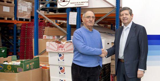 El bbva entrega kilos de comida al banco de for Banco bilbao vizcaya oficinas