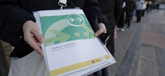 El empleo en la comunidad de madrid frena en 2013 la for Oficina de empleo santa eugenia