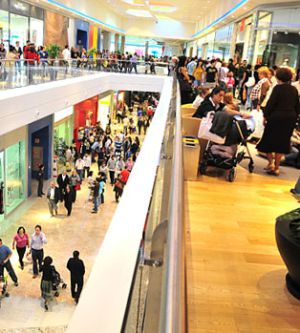 Interior del centro comercial de A Coruña